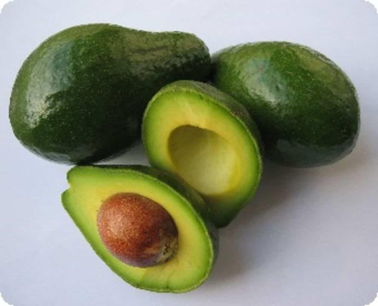 10 motive pentru care e bine să includem avocado în dieta noastră!