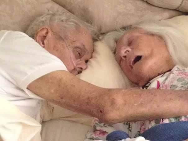 După 75 de ani de căsnicie au murit împreună