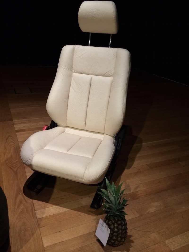 Piñatex-en-asiento-de-coche