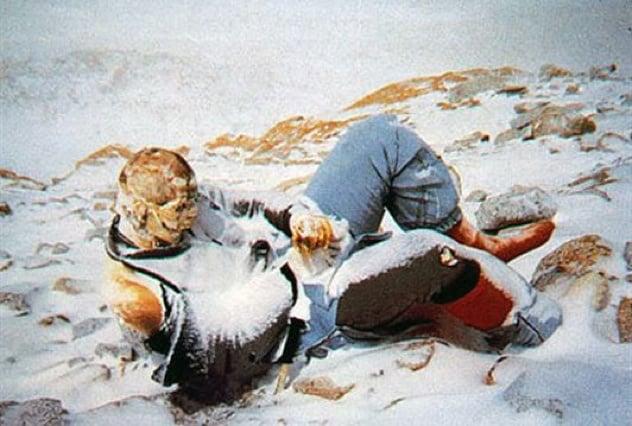 Poveștile tragice ale macabrelor marcaje umane de pe Everest