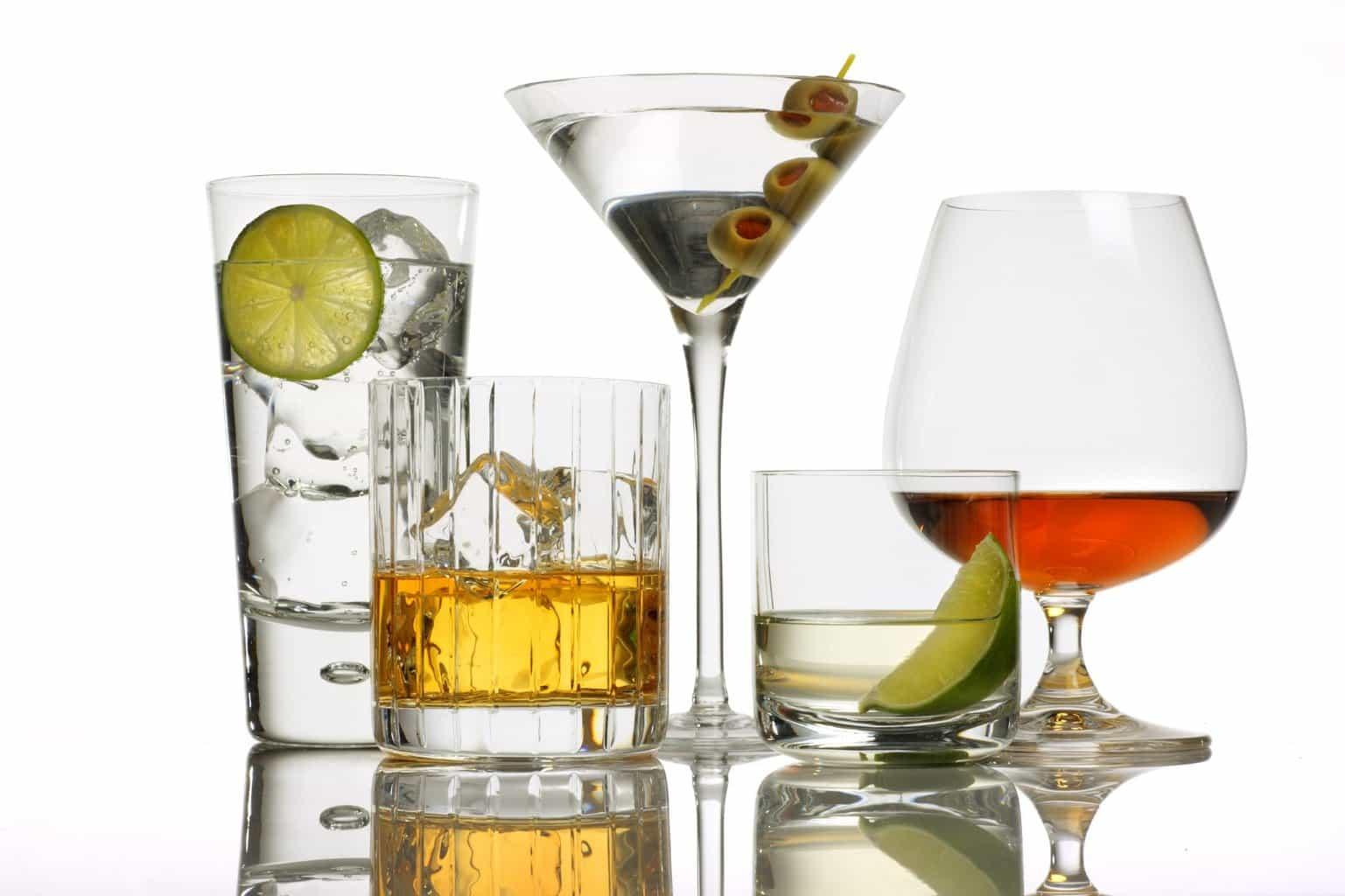 OXITOCINA ȘI ALCOOLUL: Hormonul iubirii te ține treaz când bei prea mult