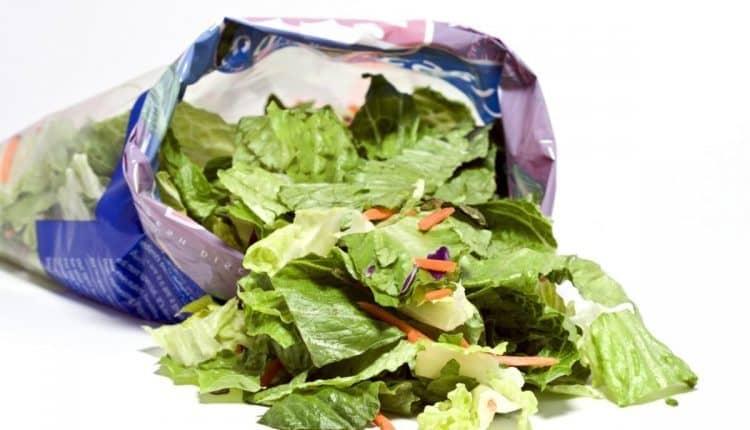De ce salată la pungă din supermarket nu este cea mai sănătoasă