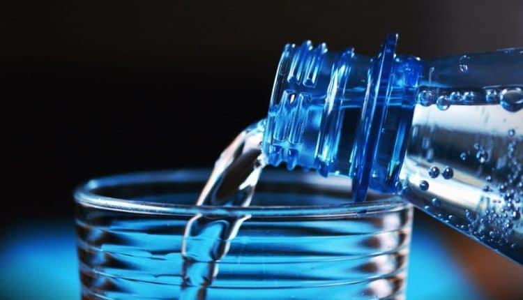 Ce se întâmplă cu organismul când bei numai apă timp de o lună